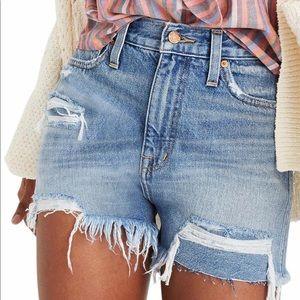 NWT Madewell Momjean Distressed HighWaisted Shorts